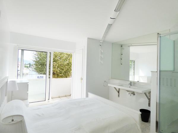 husedyla s l sch ne moderne wohnung mit 50 qm terrasse in ampuriabrava spanien zu vermieten. Black Bedroom Furniture Sets. Home Design Ideas
